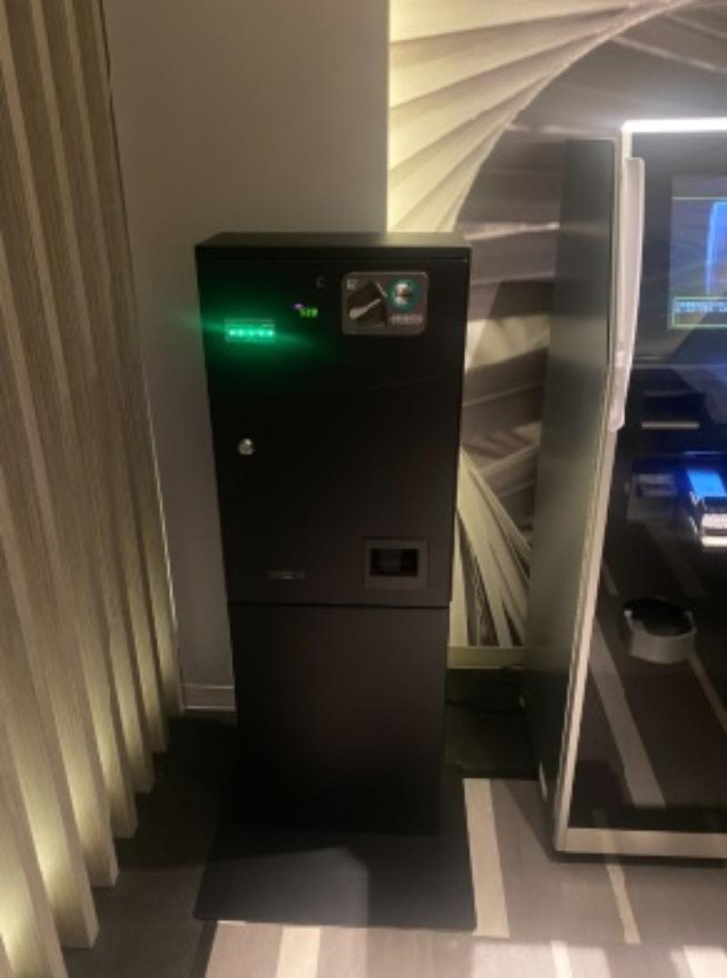 ポルト精算機横にメンバーカード自動販売機設置しました。