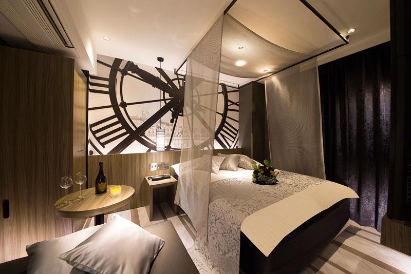 Room:706
