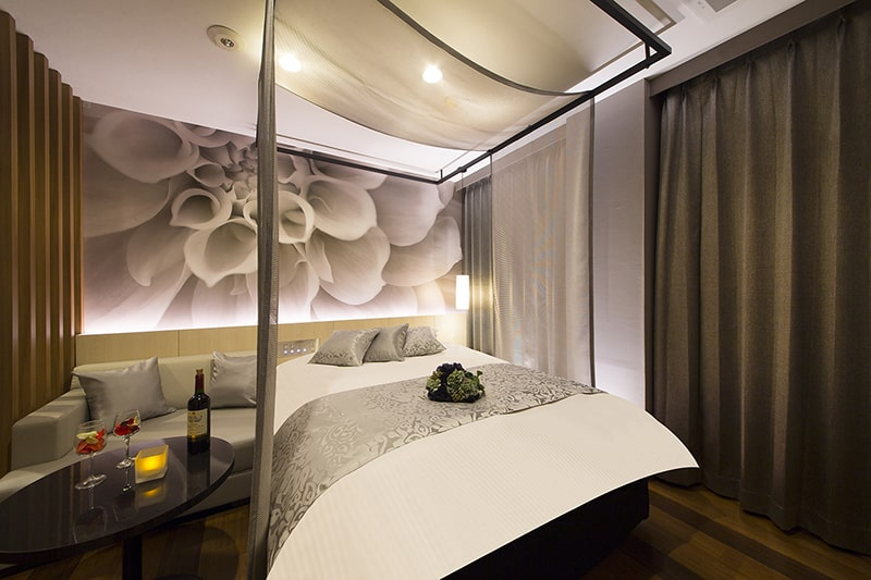 Room:806