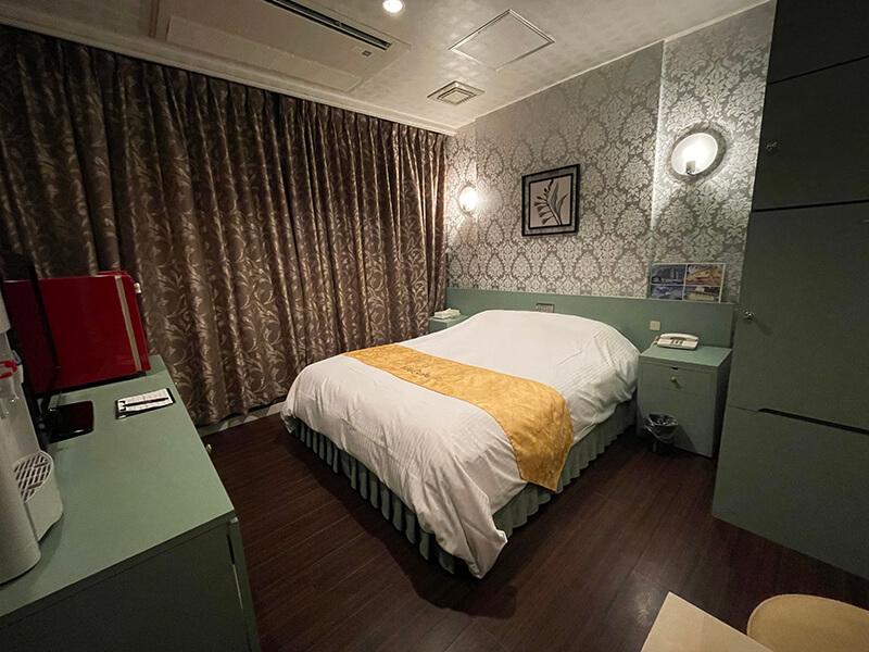 Room:120