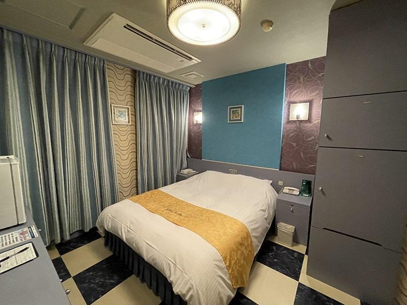 Room:122