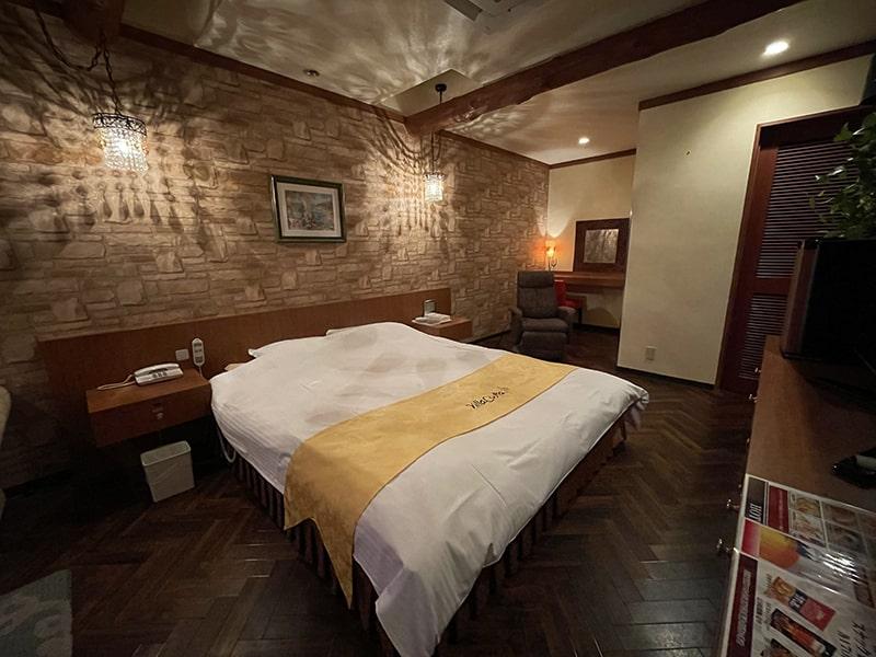 Room:128