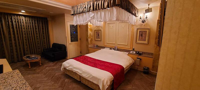 Room:211