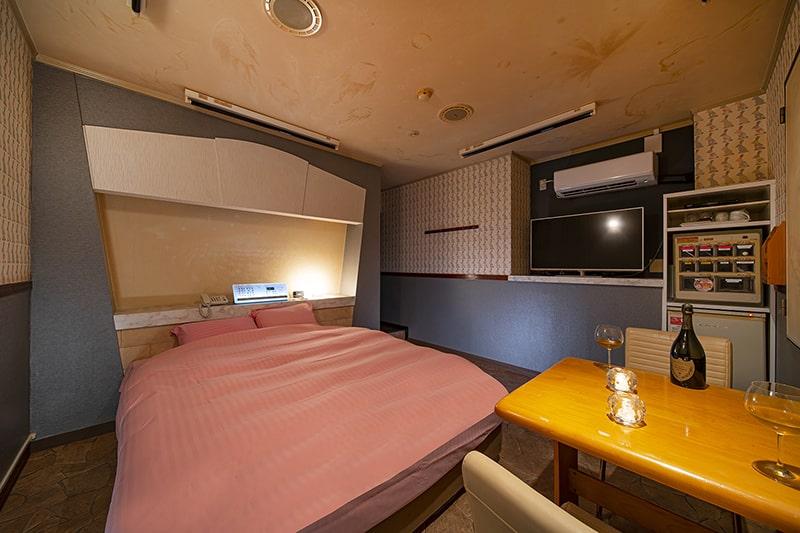 Room:222